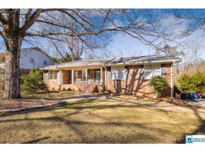 Property for sale at 1054 Mountain Oaks Dr, Hoover,  Alabama 35226