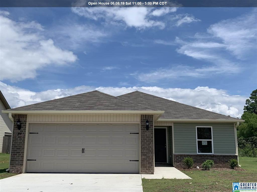 Photo of home for sale at 304 Maggie Way, Calera AL