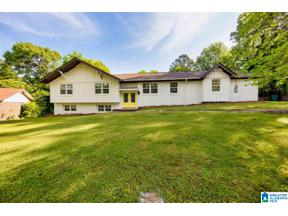 Property for sale at 813 3rd Terrace Circle, Pleasant Grove, Alabama 35127