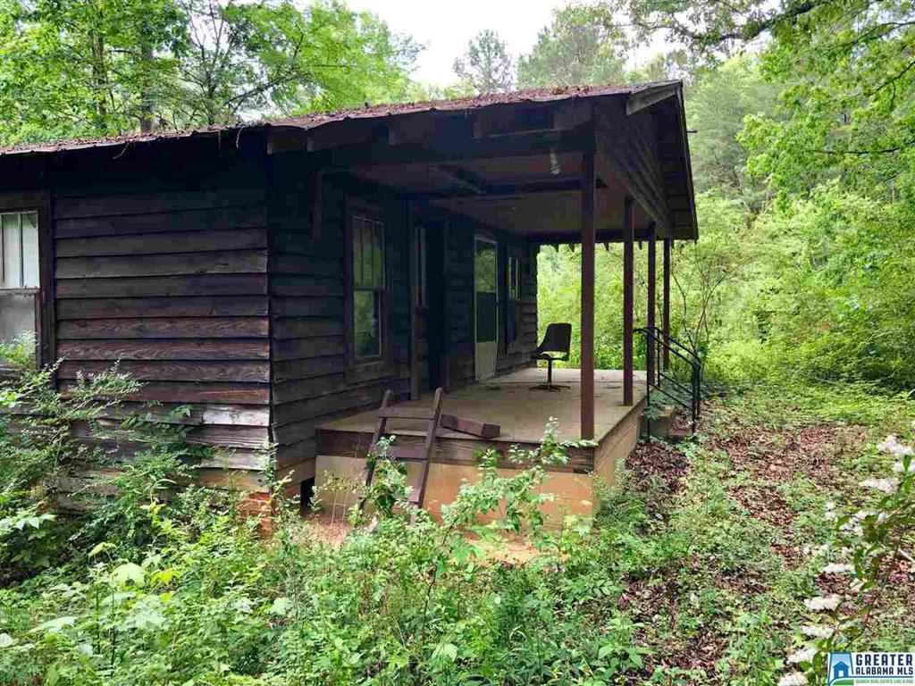 Photo of home for sale at 1109 Jew Hollow Rd, Mount Olive AL