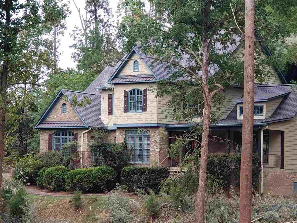 Photo of home for sale at 790 Labelle Ln, Hoover AL