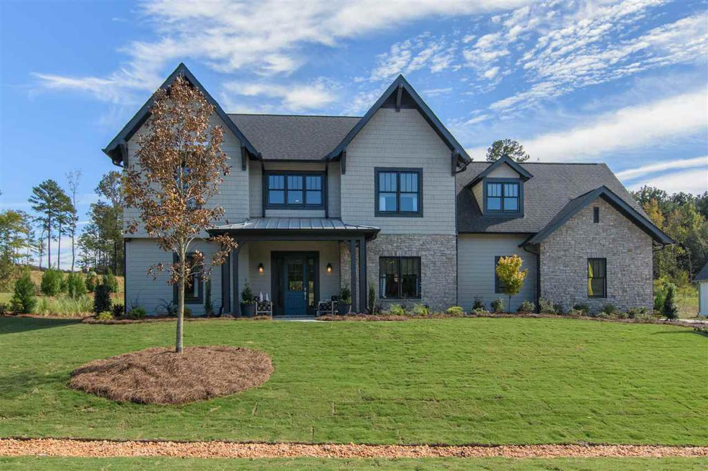 Photo of home for sale at 2744 Blackridge Ln, Hoover AL