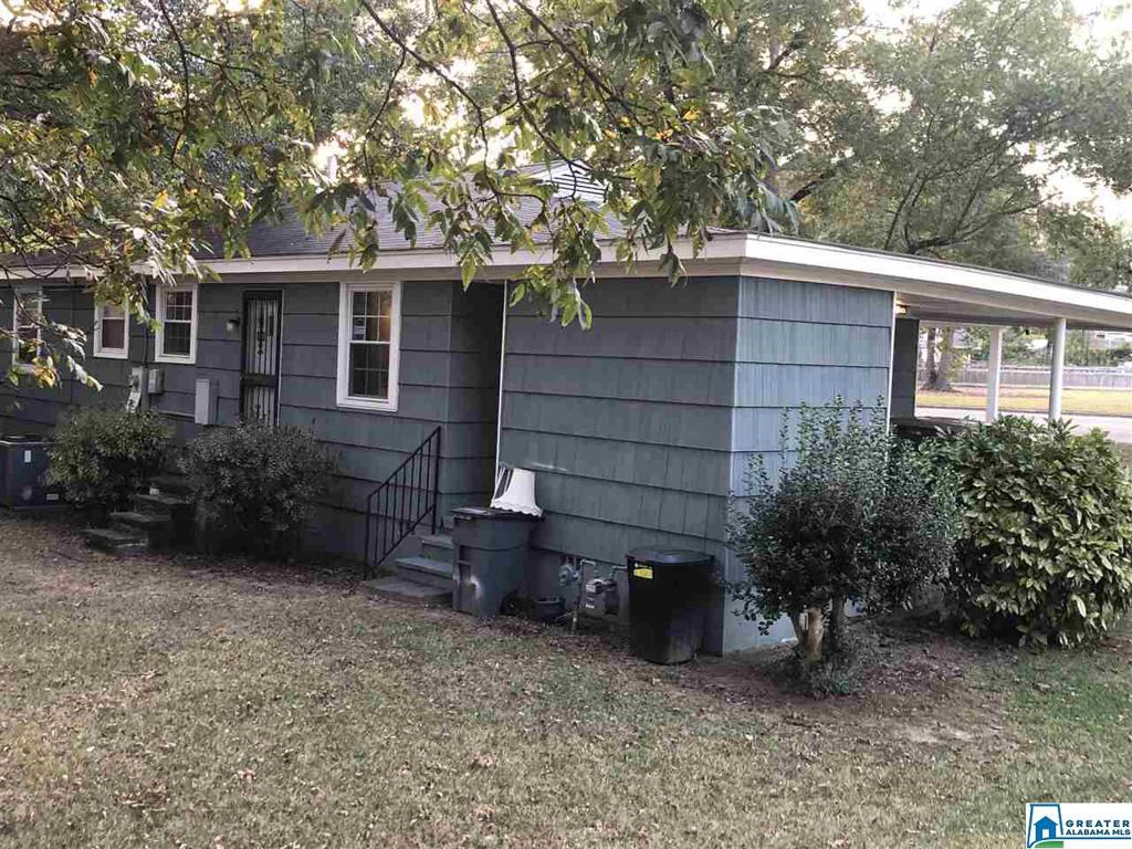 Photo of home for sale at 1339 Montevallo Rd, Irondale AL
