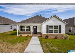 Property for sale at 525 6th Avenue E, Oneonta, Alabama 35121