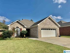 Property for sale at 106 Daventry Dr, Calera,  Alabama 35040