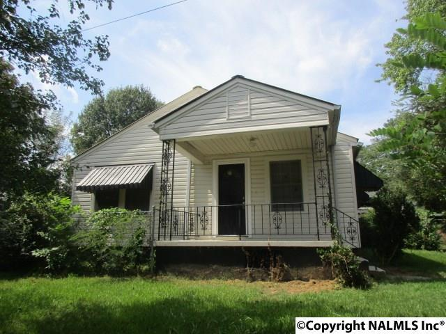 Photo of home for sale at Dublin Street, Gadsden AL