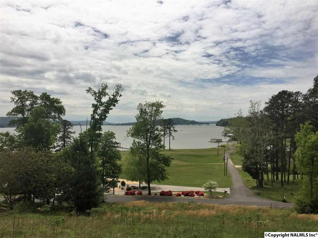 Photo of home for sale at Harbor Ridge Road, Guntersville AL