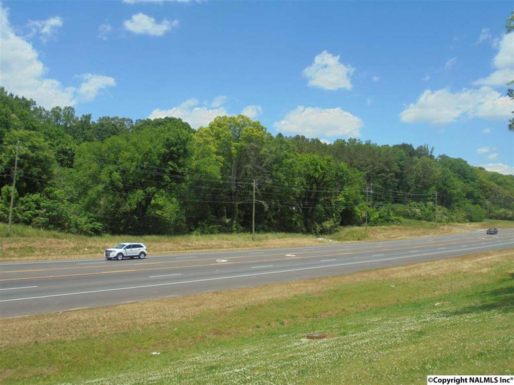 Photo of home for sale at Ewing Ave/ Hwy 411, Gadsden AL