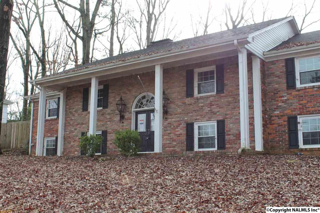 Photo of home for sale at North Sequoia, Florence AL