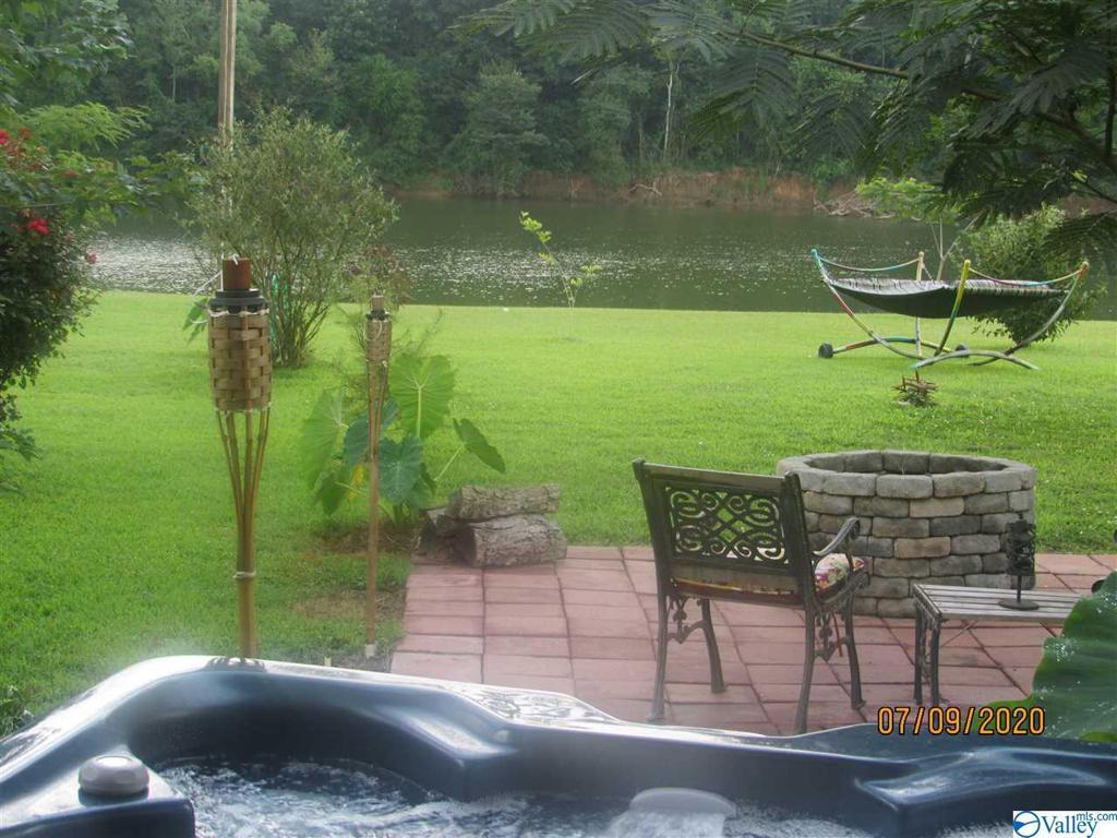 Photo of home for sale at 237 Longview Drive, Gadsden AL