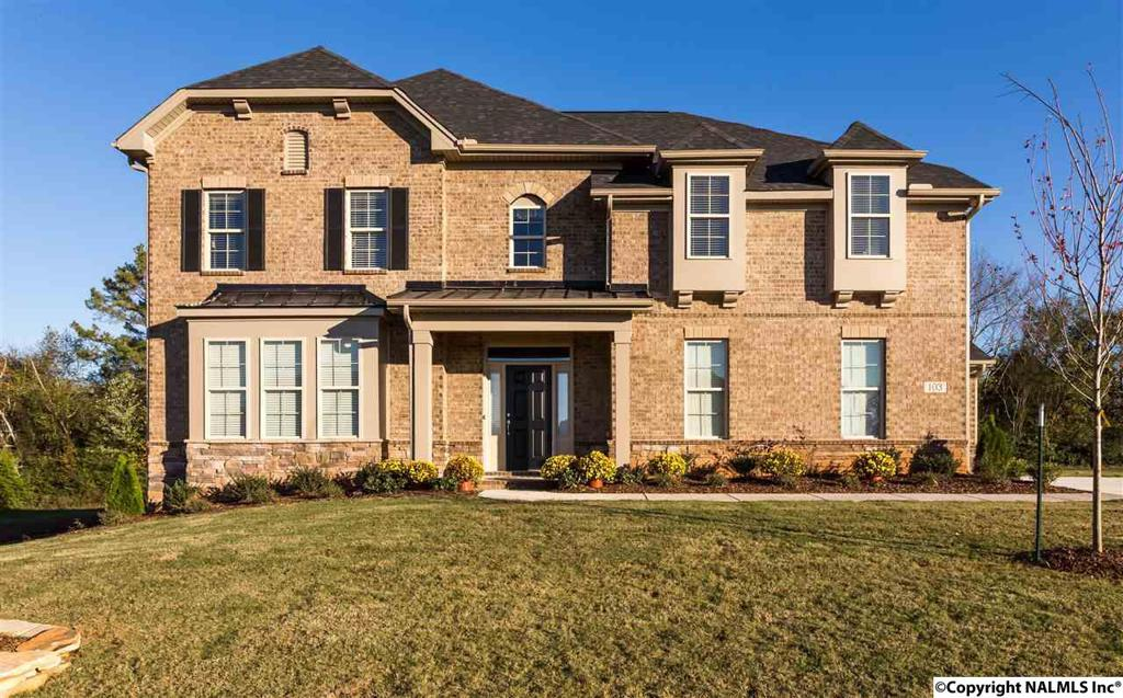 Photo of home for sale at 103 Pintlalla Place, New Market AL