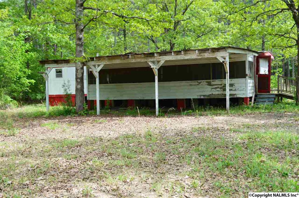 Photo of home for sale at 475 County Road 509, Cedar Bluff AL