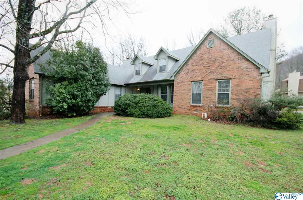 Photo of home for sale at 15000 Deaton Drive, Huntsville AL