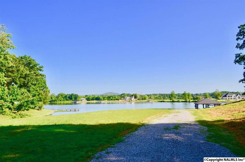 Photo of home for sale at 28 Sibert Drive, Glencoe AL