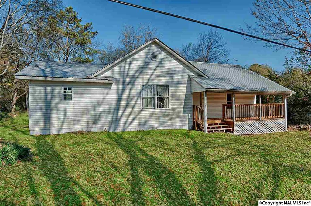 Photo of home for sale at Williamson Street, Paint Rock AL