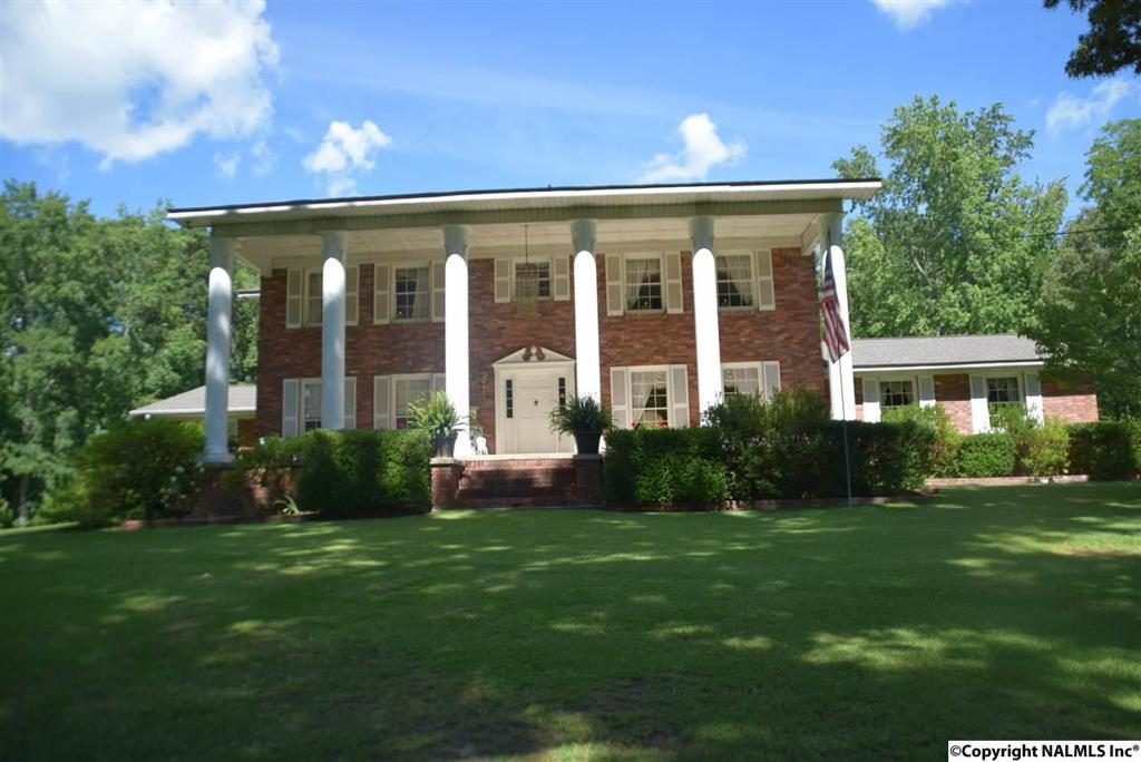 Photo of home for sale at Fairview Road, Gadsden AL
