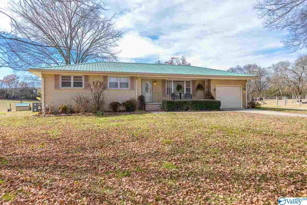 Photo of home for sale at 428 A Delina Boonshill Road, Petersburg TN