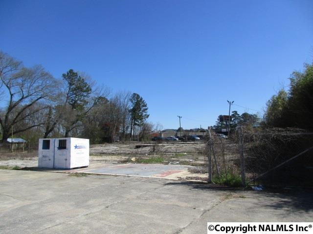 Photo of home for sale at Sutton Bridge Road, Rainbow City AL