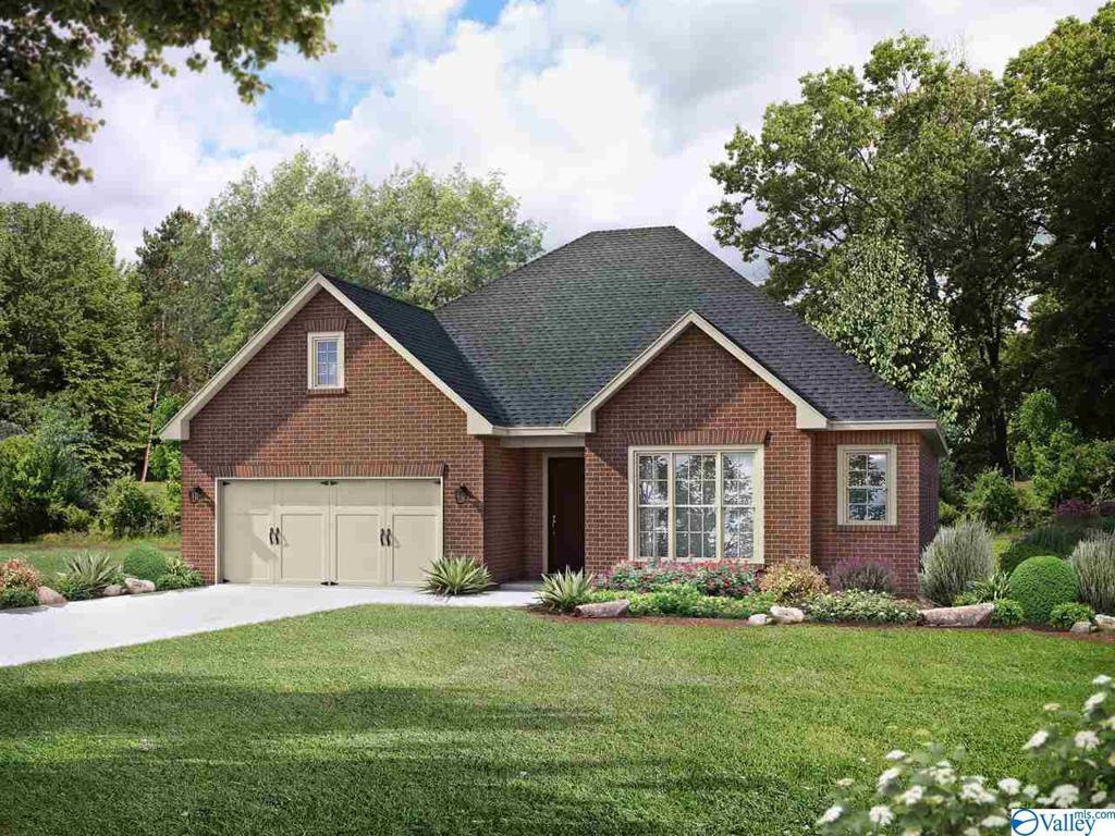 Photo of home for sale at 85 Willow Bank Circle, Priceville AL