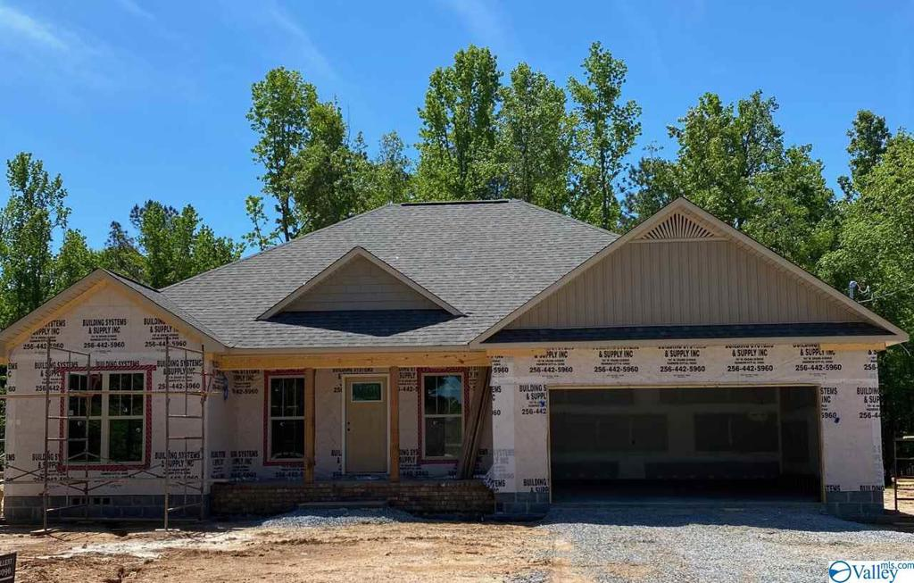 Photo of home for sale at 2623 Reeves Street, Hokes Bluff AL