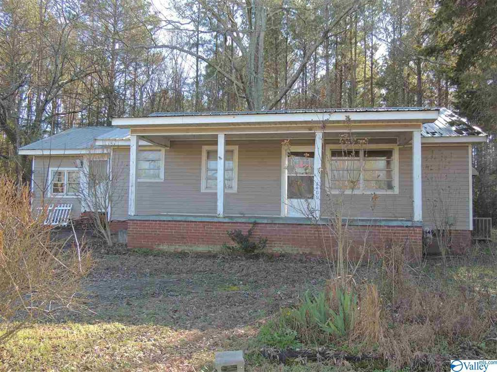 Photo of home for sale at 2400 Alexis Road, Centre AL