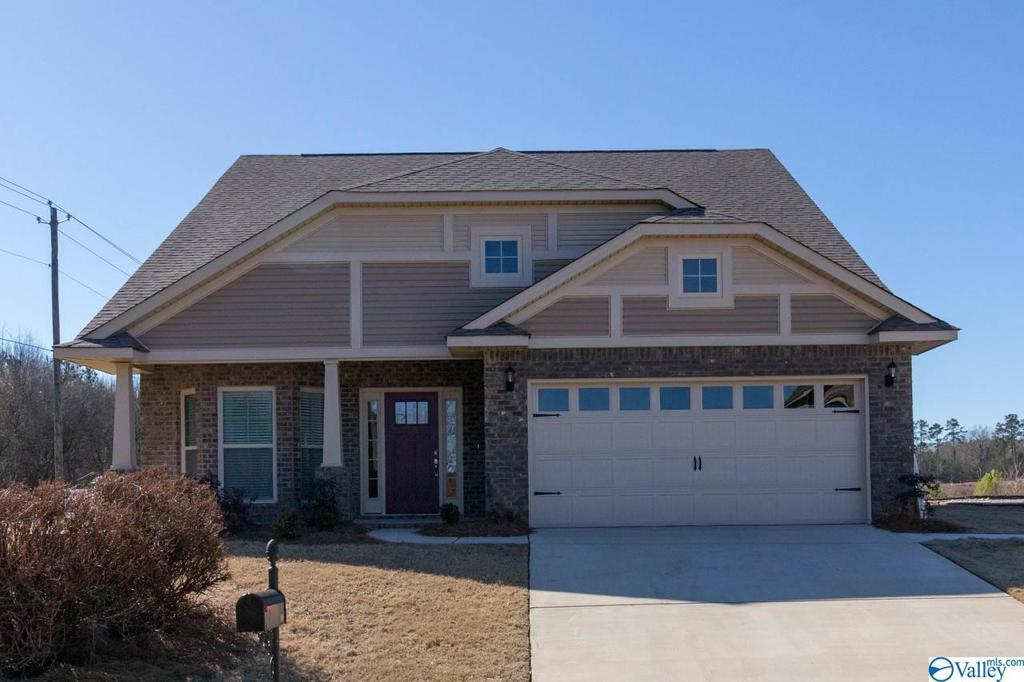Photo of home for sale at 303 Divinity Place, Huntsville AL