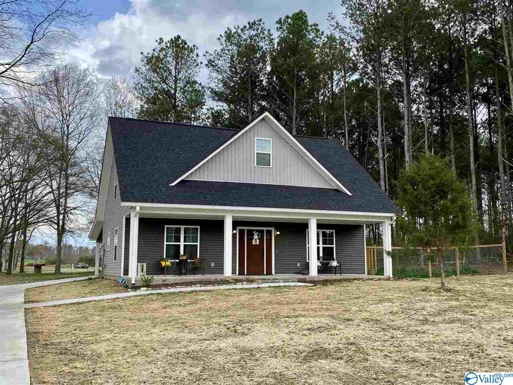 Photo of home for sale at 138 Hidden Lakes Drive, Albertville AL