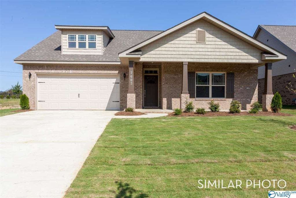 Photo of home for sale at 205 Oracle Circle, Huntsville AL