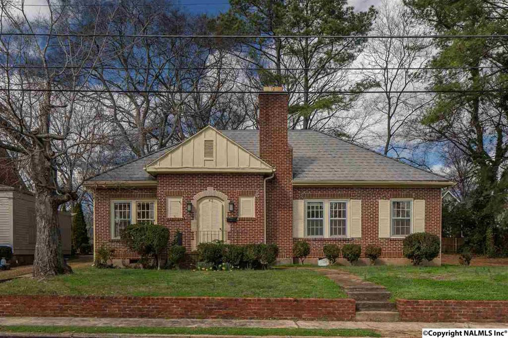 Photo of home for sale at Newman Avenue, Huntsville AL