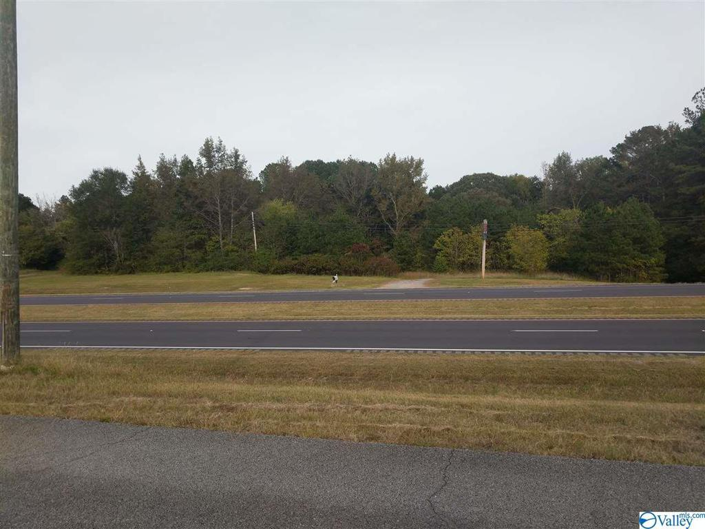 Photo of home for sale at 10400 Highway 431, Boaz AL
