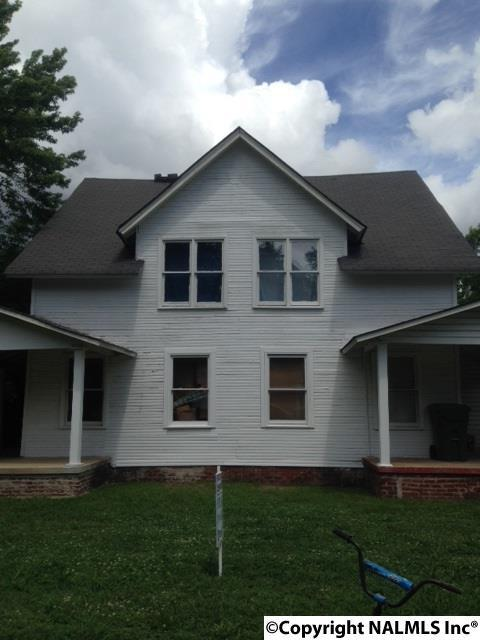 Photo of home for sale at 3309 Clopton Street, Huntsville AL
