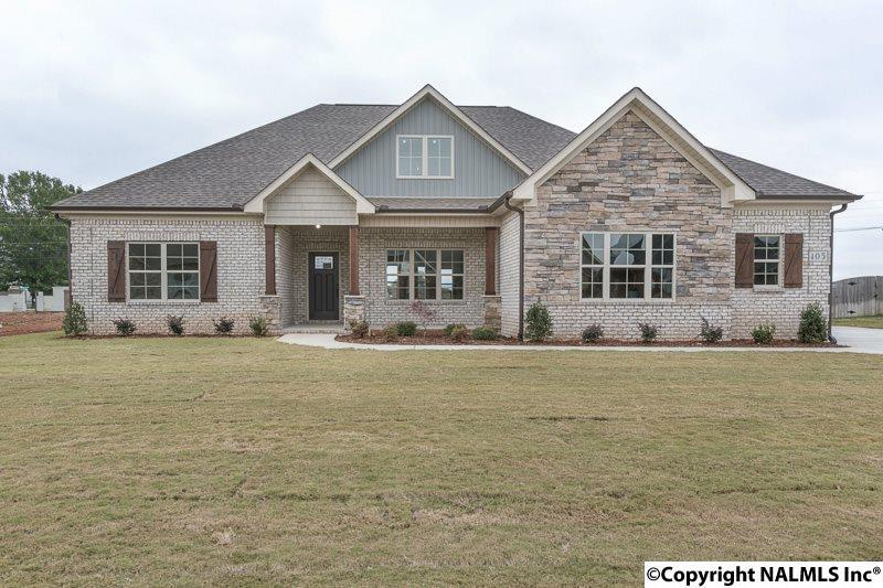 Photo of home for sale at Clear Springs Circle, Hazel Green AL