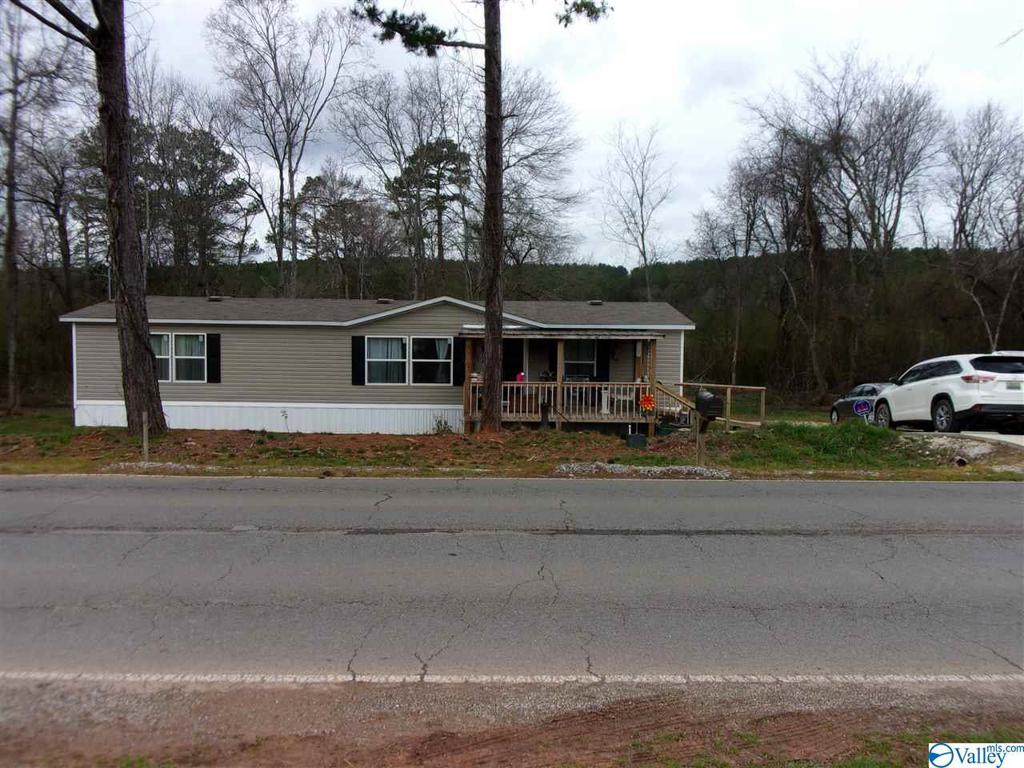 Photo of home for sale at 3333 County Road 29, Piedmont AL