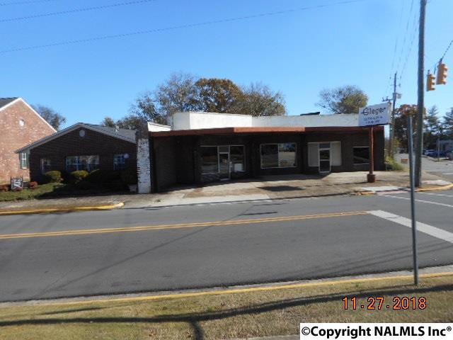 Photo of home for sale at 322 3rd Street S, Gadsden AL
