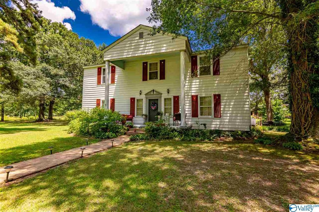 Photo of home for sale at 8180 Highway 17, Florence AL