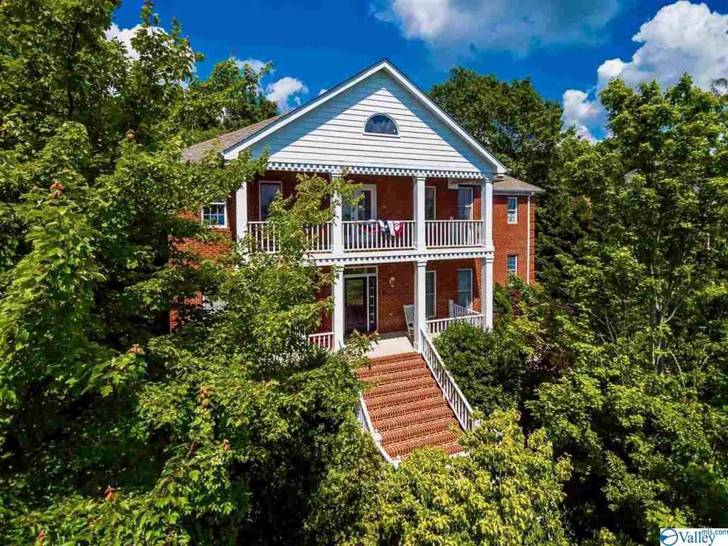 Photo of home for sale at 7743 Donegal Drive, Huntsville AL
