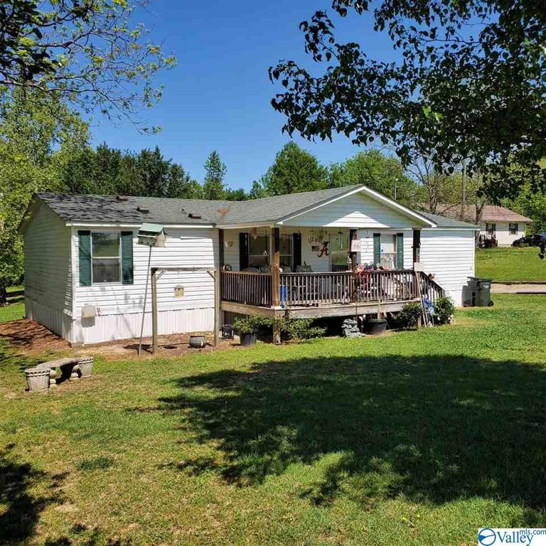 Photo of home for sale at 2740 Johnson Road, Gadsden AL