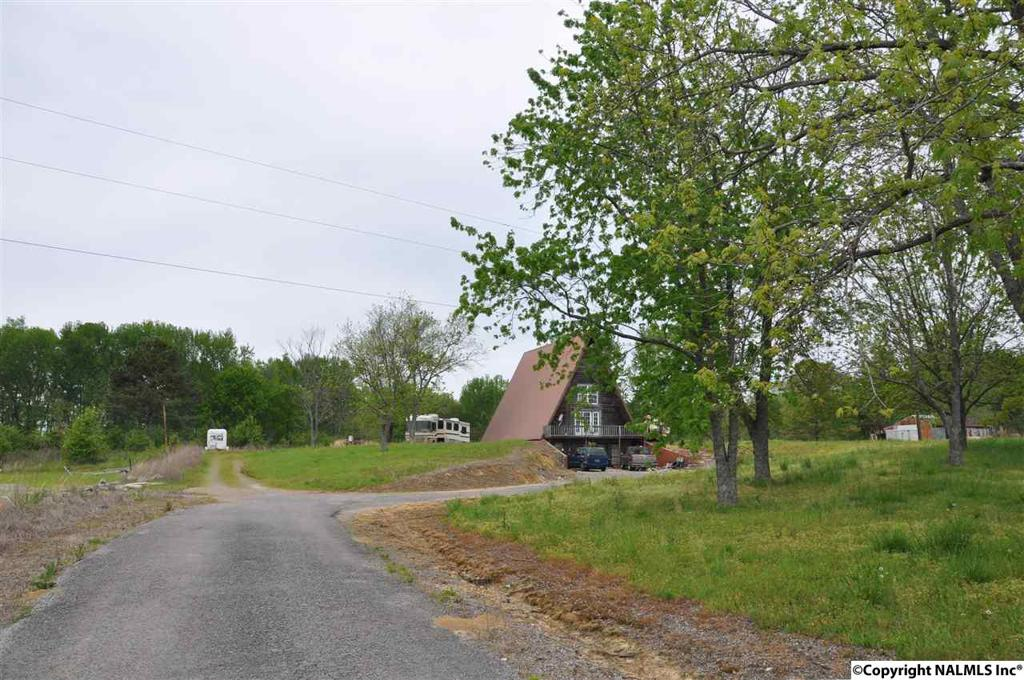 Photo of home for sale at 11945 Highway 69, Baileyton AL