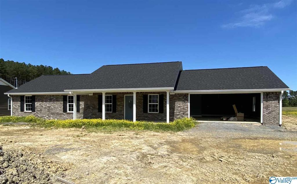 Photo of home for sale at 1965 Alexis Road, Centre AL