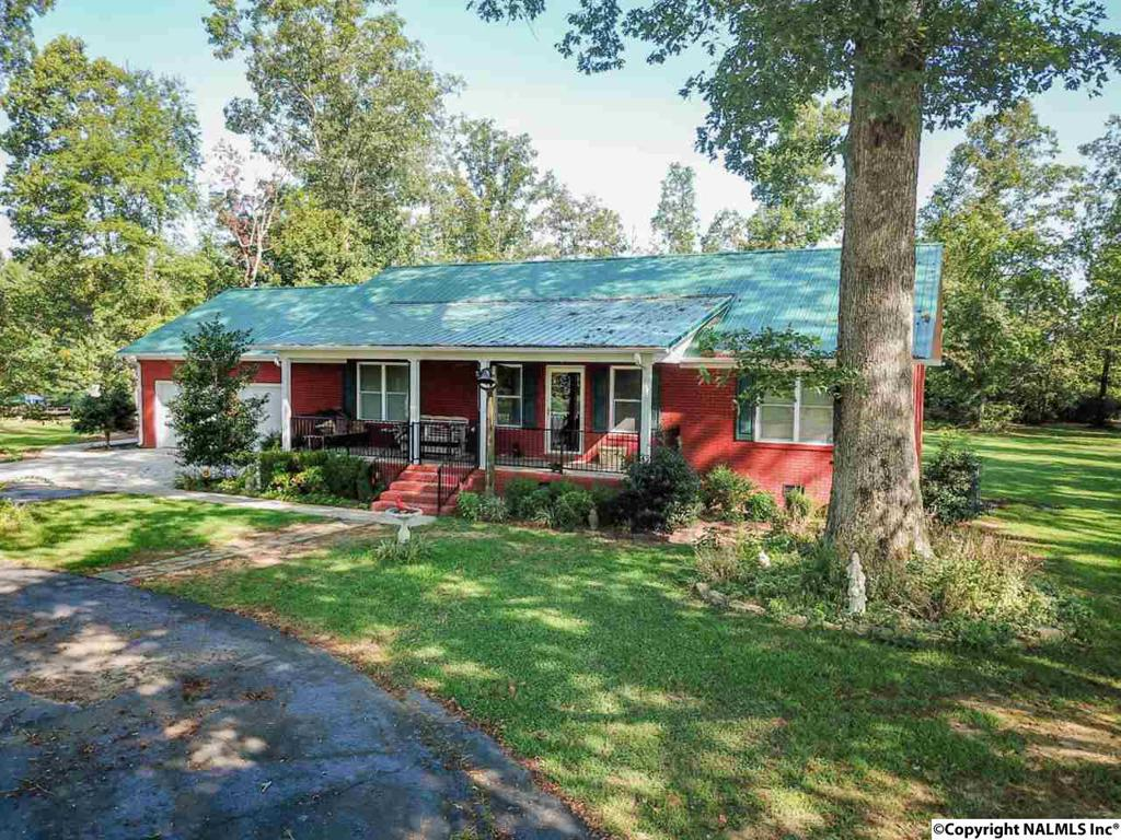 Photo of home for sale at 1691 County Road 372, Dutton AL