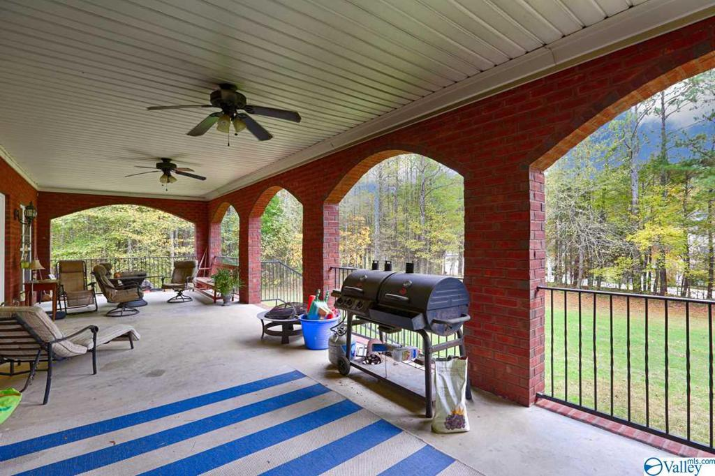 Photo of home for sale at 17732 Oakdale Road, Athens AL