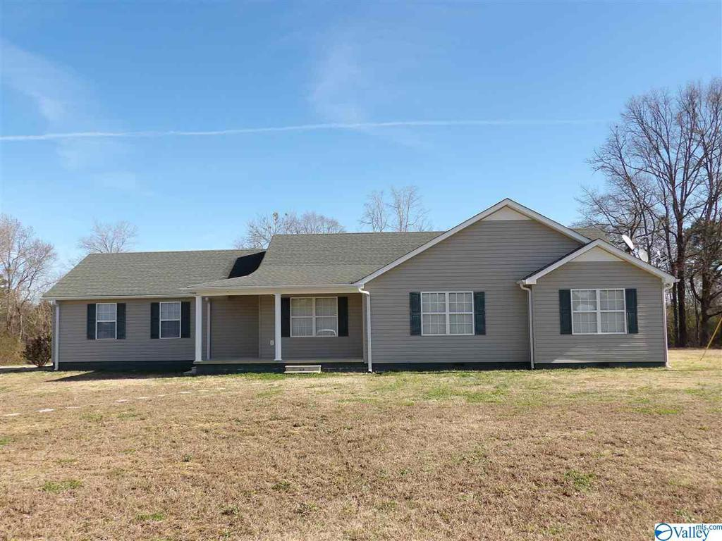 Photo of home for sale at 2220 County Road 59, Piedmont AL