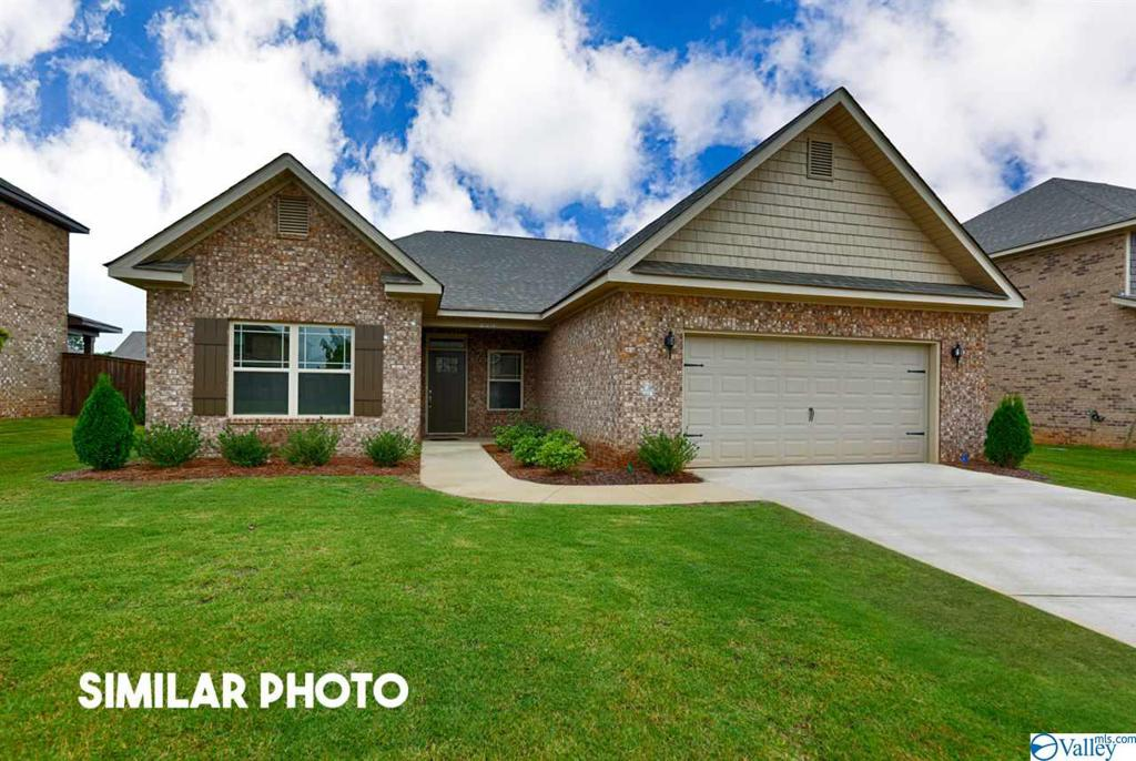 Photo of home for sale at 16225 Trestle Street, Huntsville AL