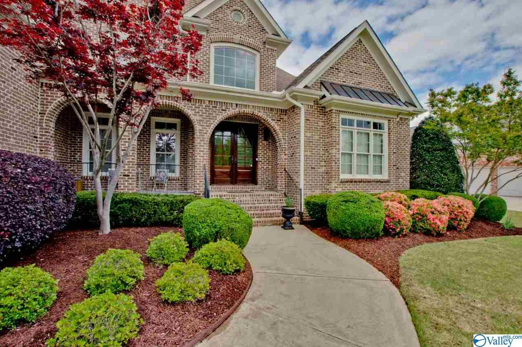 Photo of home for sale at 3107 Brook Park Drive, Owens Cross Roads AL