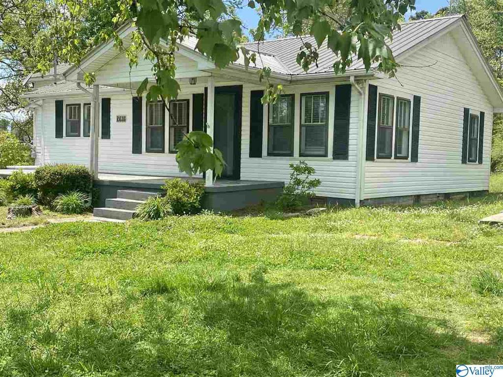 Photo of home for sale at 2616 Main Street Shiloh, Rainsville AL