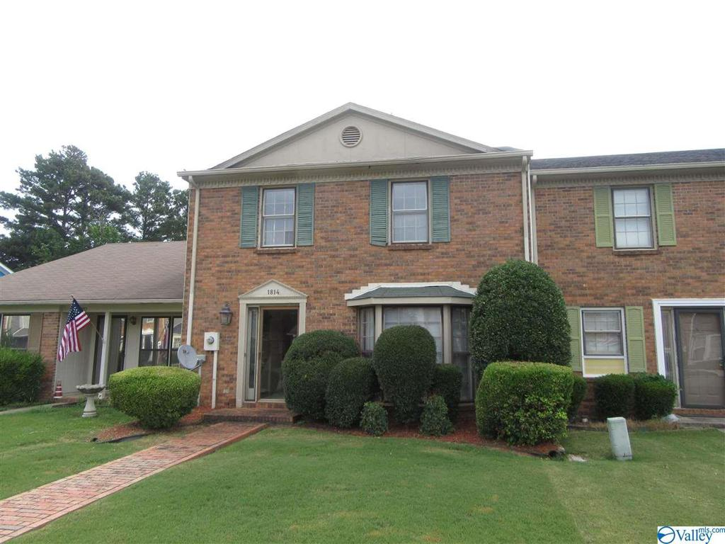 Photo of home for sale at 1814 Brownstone Avenue SW, Decatur AL