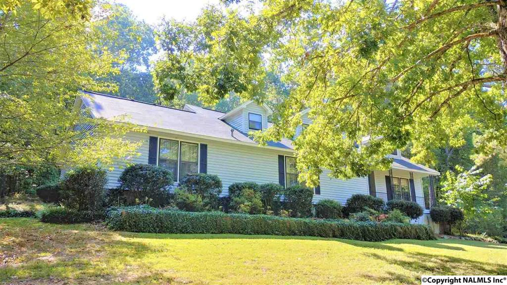 Photo of home for sale at 700 Merit Springs Road, Gadsden AL