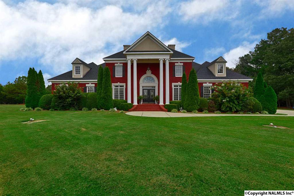 Photo of home for sale at Ray Road, Hartselle AL