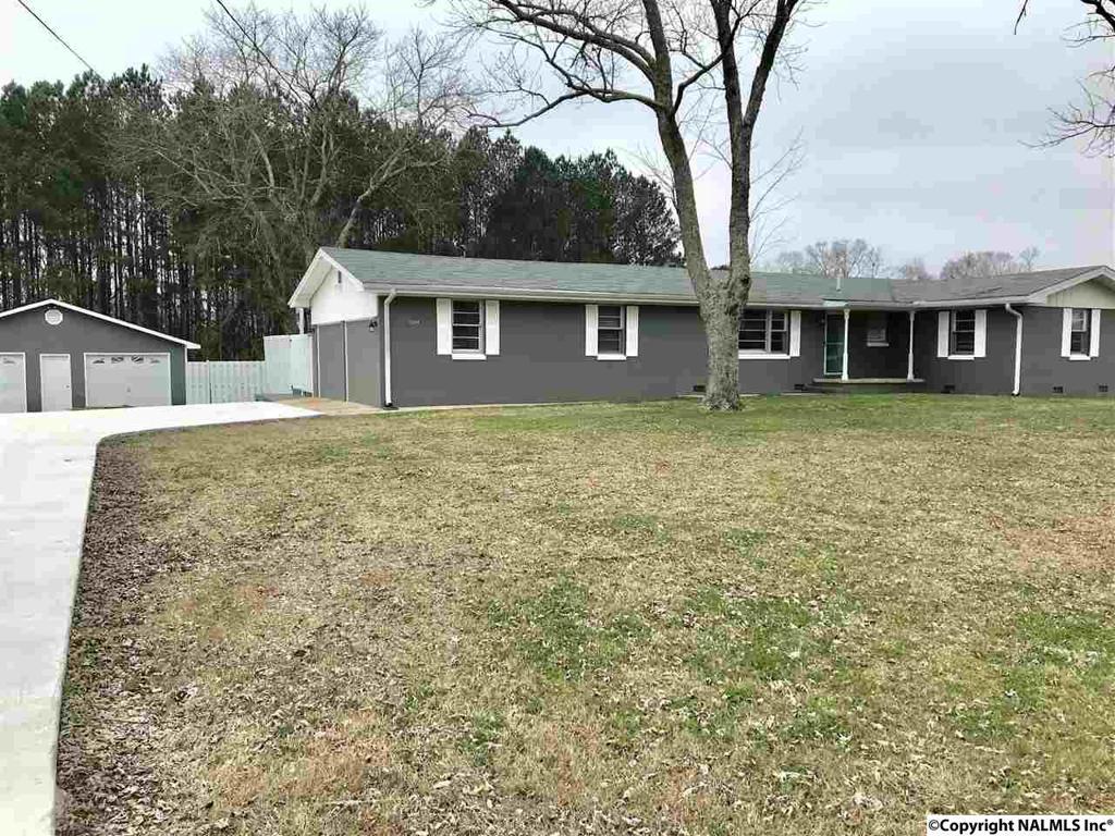 Photo of home for sale at Turnpike Road, Albertville AL