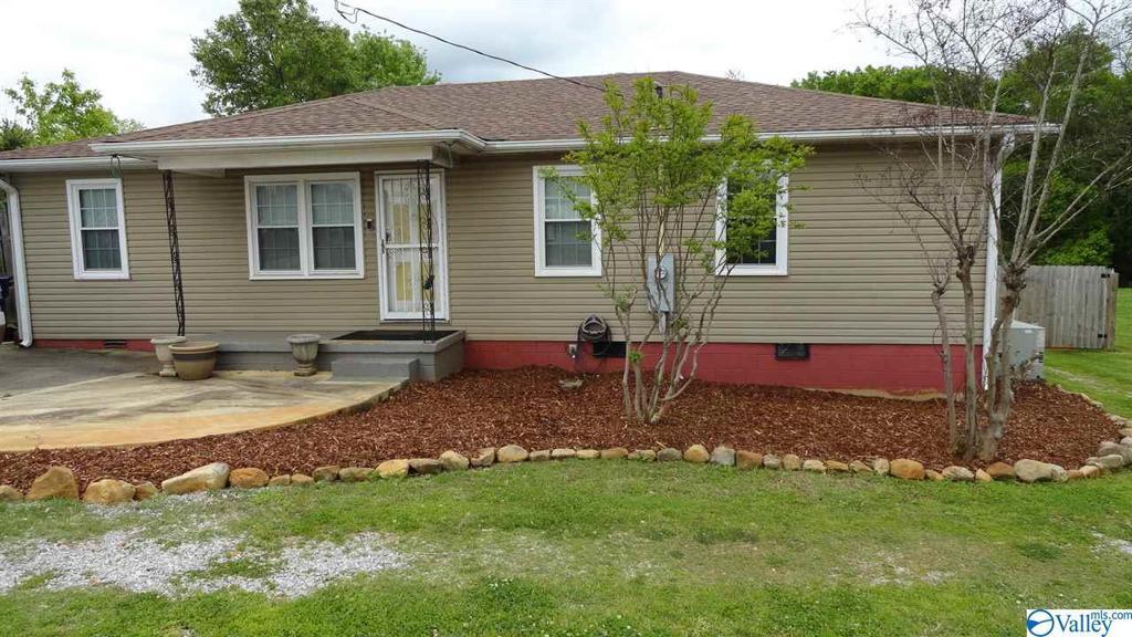 Photo of home for sale at 3510 Mastin Lake Road, Huntsville AL